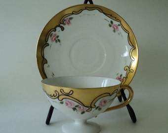 Vintage Gold Scroll Teacup with Pink Roses