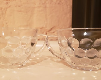 Set of 2 Clear Mugs with Circle Pattern