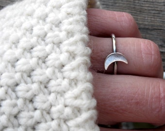 Crescent Moon sterling silver ring