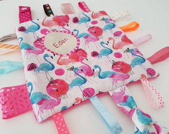 taggy - pink Flamingo Theme with a snap fastener