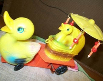 Vintage 1950's Easter Holiday Wind up Toy  Ducks on wheels, Umbrella, Quackers,  Duckling, Wagon retro 50's clockwork windup toys