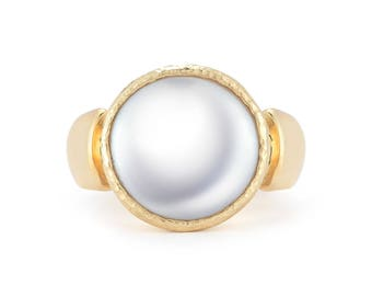 Round White Coin Pearl Handmade 14K Yellow Gold Ring (WR0237)