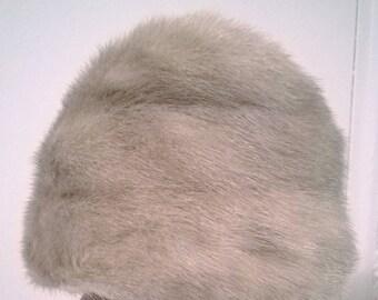 Vintage Silver/Gray Fur Hat