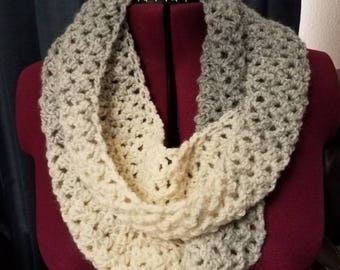 Soft and cozy crochet infinity scarf