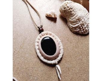 NAÍMA handmade leather Necklace with Black Onix gemstone