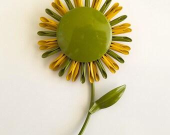 Vintage Mod Flower Power Green and Yellow Spider Mum Daisy Sunflower Enamel Brooch Pin - RARE
