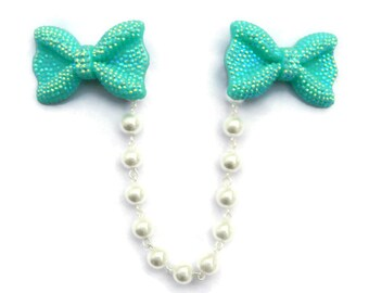 Bow Sweater Clip - Iridescent Aqua and White Pearls - Retro Rockabilly Pinup, 50s Style - Cardigan Clip - Sweater Guard - Sweater Clasp
