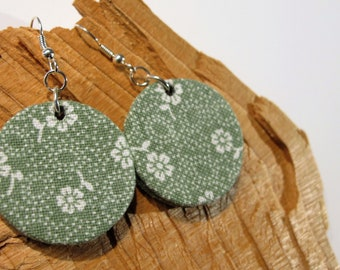 Earrings round floral design, green, fabric box