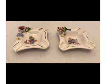 Vintage Miniature Porcelain Set of 2 Ashtrays