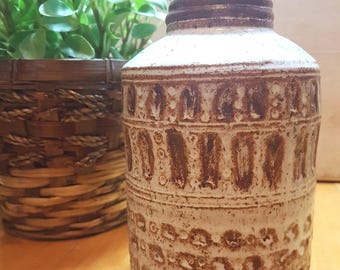 Studio pottery ceramic vase from 1979, studio pottery home decor, pottery flower vase, vintage pottery