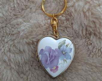 Vintage 70s floral huge heart shape wearable music box/locket/pendant/key chain