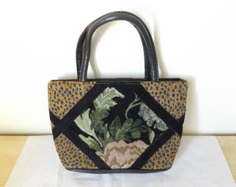 Lovely Vintage Americana Tapestry Handbag.