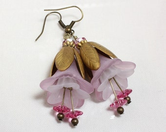 Pink and White Flower Earrings, Lucite Flowers, Floral Earrings, Swarovski Crystals