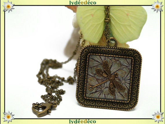Retro grey Dragonfly resin beige brown leaf tree Medallion necklace bronze brass 20mm Christmas gift