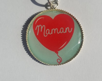 """MOM"" keychain"