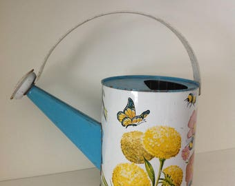 Metal toy watering can