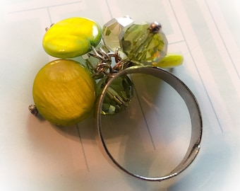 Vintage beaded ring, vintage ring, vintage jewelry, 1960's, beaded ring, olive green ring