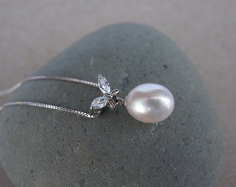 Beautiful Freshwater Pearl w/CZ Butterfly in 925 Sterling Silver Chain Necklace, Cultured High Quality Pearl Pendant Necklace, Bridal Pearl