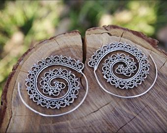 Spiral hoop earrings. Silver plated. Tribal spiral earrings. Spiral earrings ethnic style. tribal earrings. Brass earrings. gypsy. boho