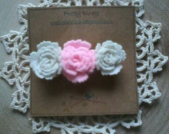 Felt flower hairclip