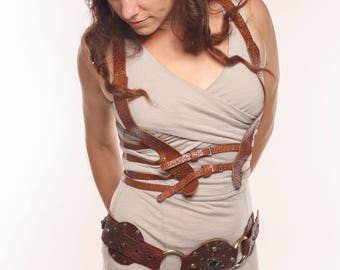 Heart Wide Open Leather Ribcage Harness