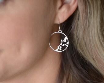 trending jewelry. jewelry everyday. everyday earrings. sterling silver ear hooks. dangle earrings. drop earrings. jewelry earrings.