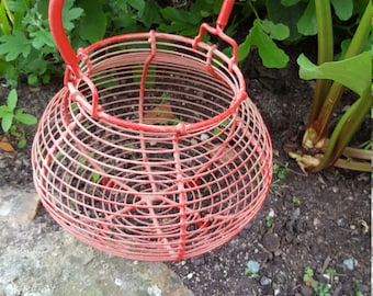 French Red Egg Basket / Wire Egg Basket / Kitchenalia / Salad Spinner / Vintage Red Basket / Red Basket / Egg Basket / French traditional