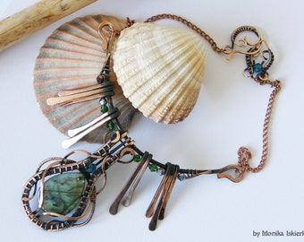 Liliane- wire wrapped necklace, labradorite, handmade, copper