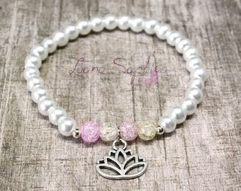 Pearl bracelet white / pastel with chakra flower
