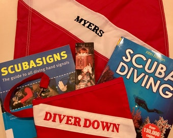 Dive Flag/Diver Down Wristlet Purse
