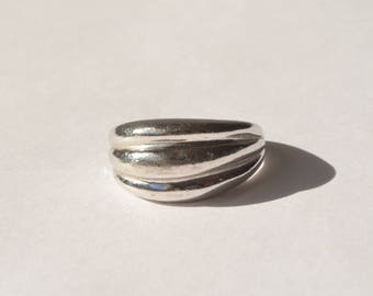 Vintage Modernist Sterling Silver 925 Scalloped Dome Ring Size 8.75
