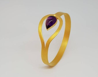 Giralda by Fedha - stylish amethyst bangle in gold-plated silver, brushed satin finish, 24 carat gold plating, teardrop gemstone