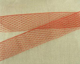 "Satin ribbon of ""Calais"" red on TULLE"