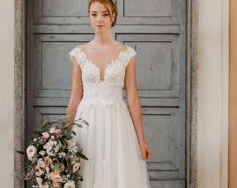 Ivory lace wedding dress, lace wedding gown, romantic wedding dress, ivory wedding gown, lace bridal gown, beach wedding dress