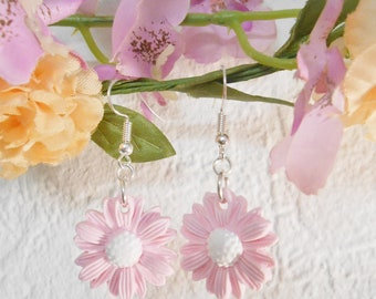 Pastel pink Daisy polymer clay Flower Earrings