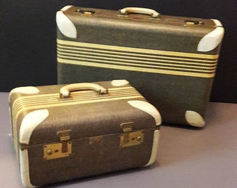 Paul Bunyan Art Deco  Luggage Set In Excellent Condition