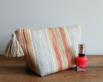 Makeup bag, woven makeup bag, boho toiletry bag for women, woven striped cosmetic bag, boho pouch, boho gift for womens, bridesmaid gifts
