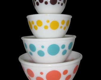 1950 Hazel Atlas 4 Polka Dot milk glass mixing bowl set /Pyrex/bowls/60+years old/excellent/Red/turquoise/red/yellow/dot/Light test!
