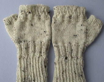 Ladies fingerless gloves, wrist warmers, texting mitts, cream acrylic yarn