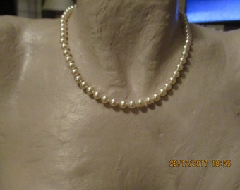 "vintage faux pearls 16"" goldtone clasp has numbers on it co275 further letters illegible could be 925 A?,pearls in excellent condition"