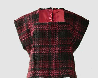 Top in tweed,  Chanel style , satin lined