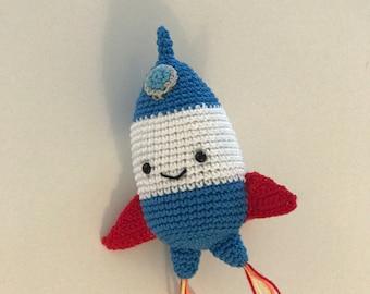 Rocket ship baby crochet rattle - Eco friendly baby toy - Baby rattle - Spaceship baby - Birth gift - Baby shower gift - Toddler crochet toy