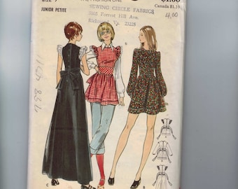 1970s Vintage Sewing Pattern Pattern Butterick 6915 Ruffled Pinafore Dress Smock Size 9JP Bust 33 1971