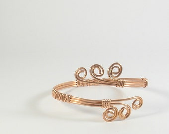 Copper wire bracelet. Copper bracelet for women with spirals. Wire wrapped cuff