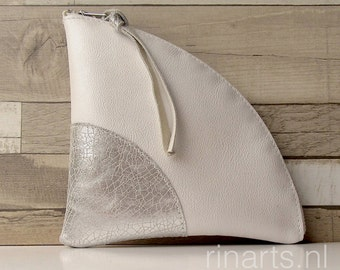 Zipper pouch / triangle zipper purse  QUARTER L (large) in white and silver leather. Travel pouch. Cosmetic pouch. Organizer pouch