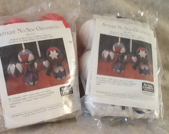 "Vintage Better Homes and Gardens ""Antique No Sew Ornaments"" Kit"