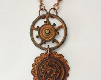 Steampunk Pendant Steampunk Necklace Rusty Jewelry Steampunk Jewelry Rusty Gear Copper Tone Chain Rusty Gog Wheel Rusty Gears Moveable Gears