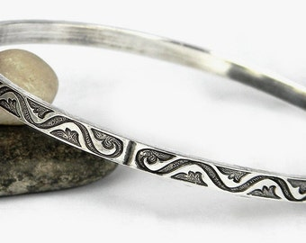 Silver Bangle - Western Tooled Leather Look - Solid Sterling Bangle, Sterling Bracelet, Simple Silver Bangle, Stacking Bracelet