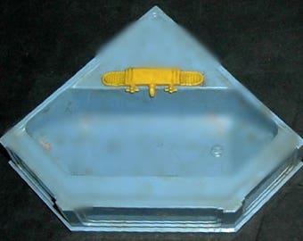VINTAGE BATH TUB - 1950'S (Ideal)
