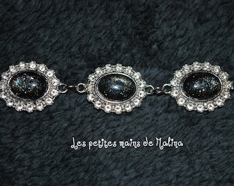 Black cabochon bracelet